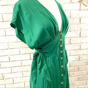 Forever 21 green dress w/ brown buttons side tie